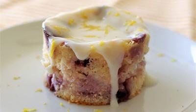 Bolinhos cheesecake de limão e mirtilos