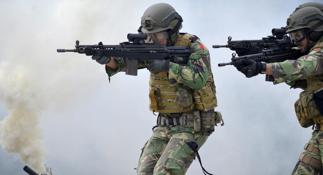 Insatisfeitos e arrependidos: 30% dos militares não voltariam a servir nas Forças Armadas