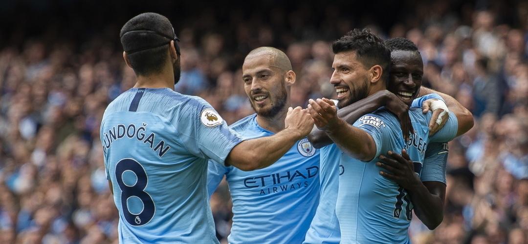 Manchester City de Pep Guardiola goleia Huddersfield Town por 6-1