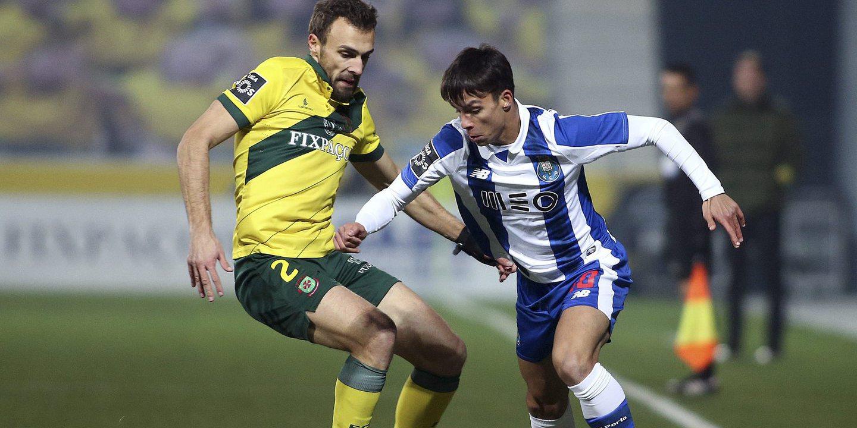 FC Porto recebe Paços para defender vantagem na Liga, após desaire europeu