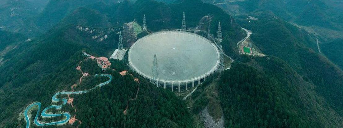 """Um dos maiores telescópios do mundo já funciona e está pronto para começar a """"caça"""" aos extraterrestres"""