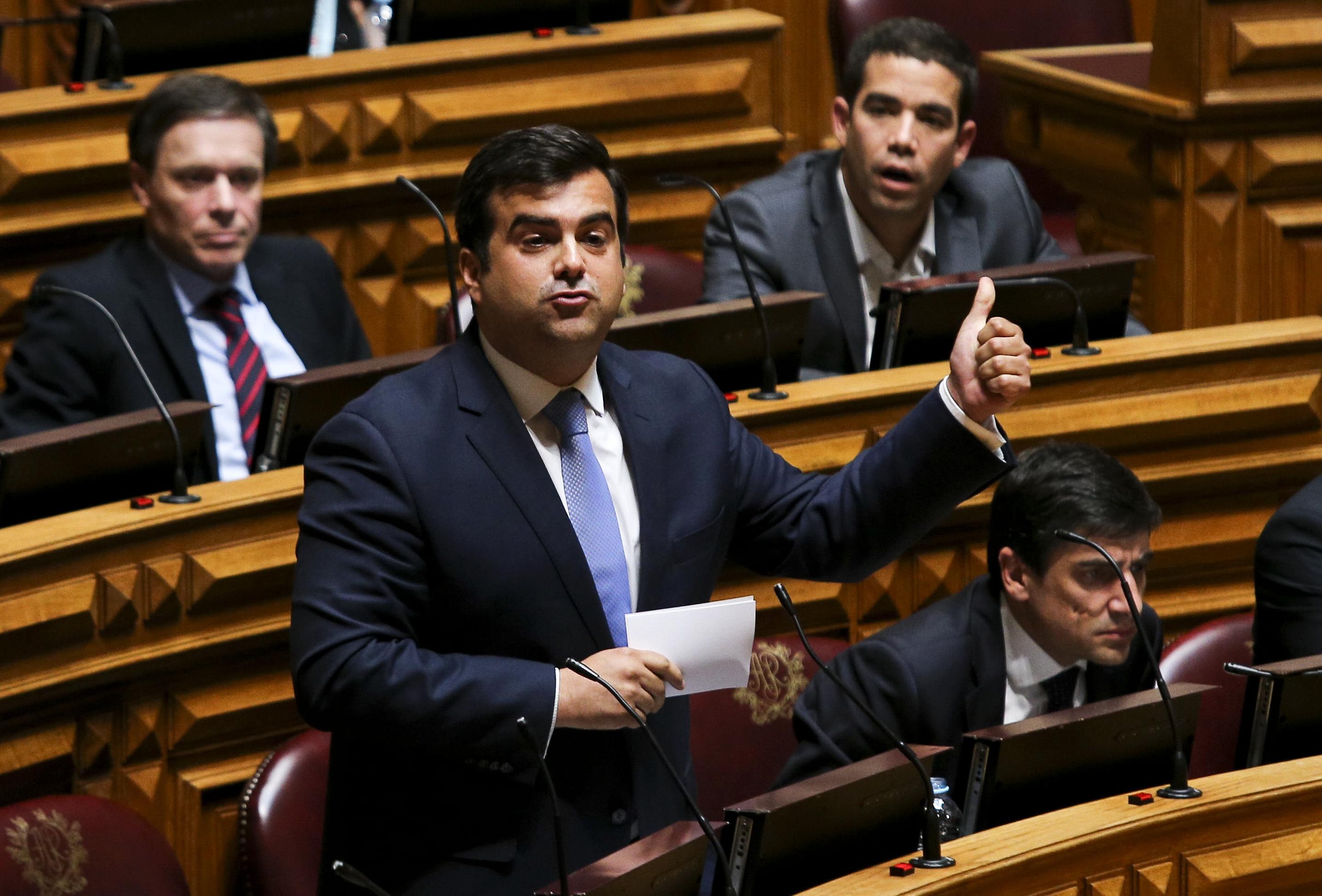 """""""Vamos rumar para o mesmo lado"""". Duarte Marques destaca mensagem de união no congresso"""