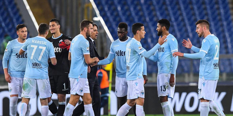 """Adeptos da Lazio não querem mulheres nas filas da frente do estádio: """"É um lugar sagrado"""""""