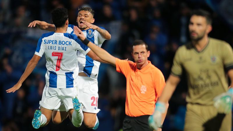 FC Porto cumpre com goleada na noite histórica de Fábio Silva