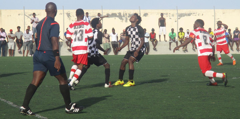Futebol/Cabo Verde: Campeonato regional em Santiago Norte arranca sábado com 10 equipas