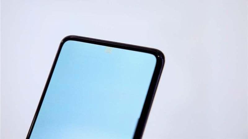 """OPPO mostra protótipo de smartphone com câmara """"invisível"""" e sem botões físicos"""