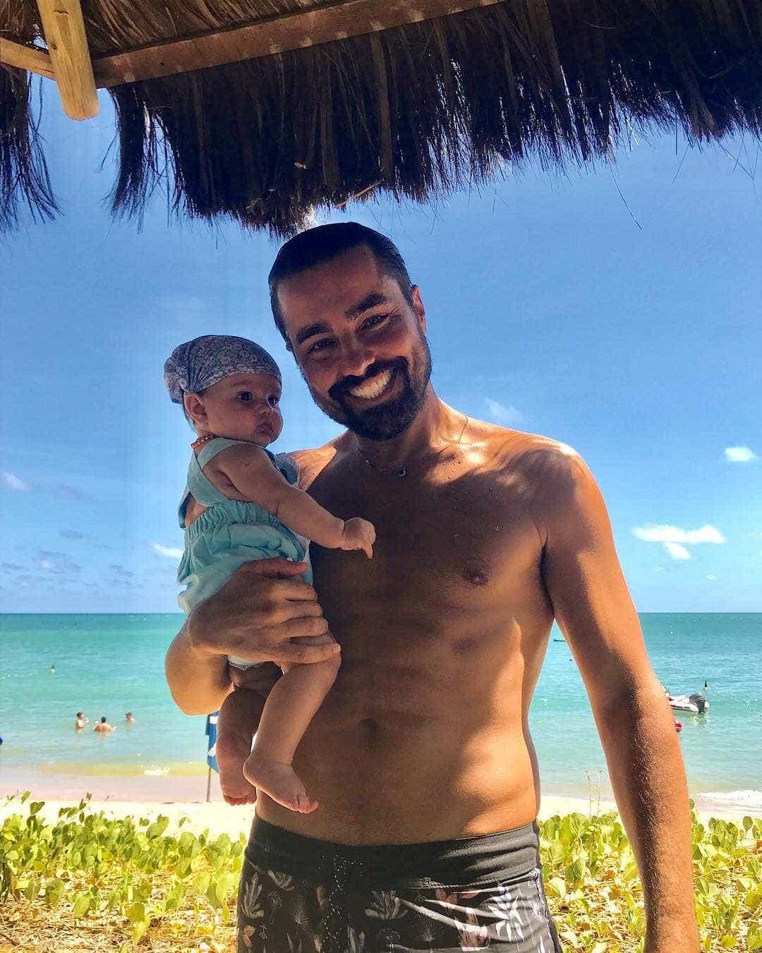 Filha mais nova de Ricardo Pereira visita Portugal pela primeira vez