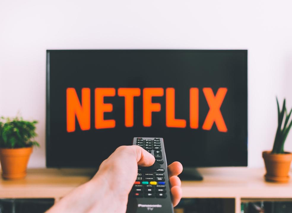 Estar viciado na Netflix é mau para o meio-ambiente?
