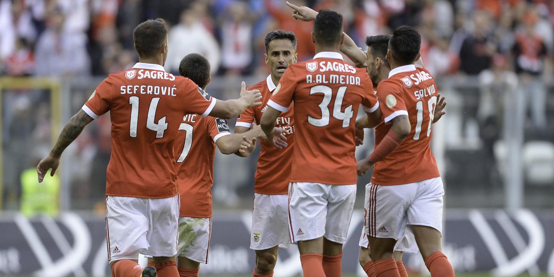 Benfica anuncia que já não há bilhetes para o jogo com o Basileia