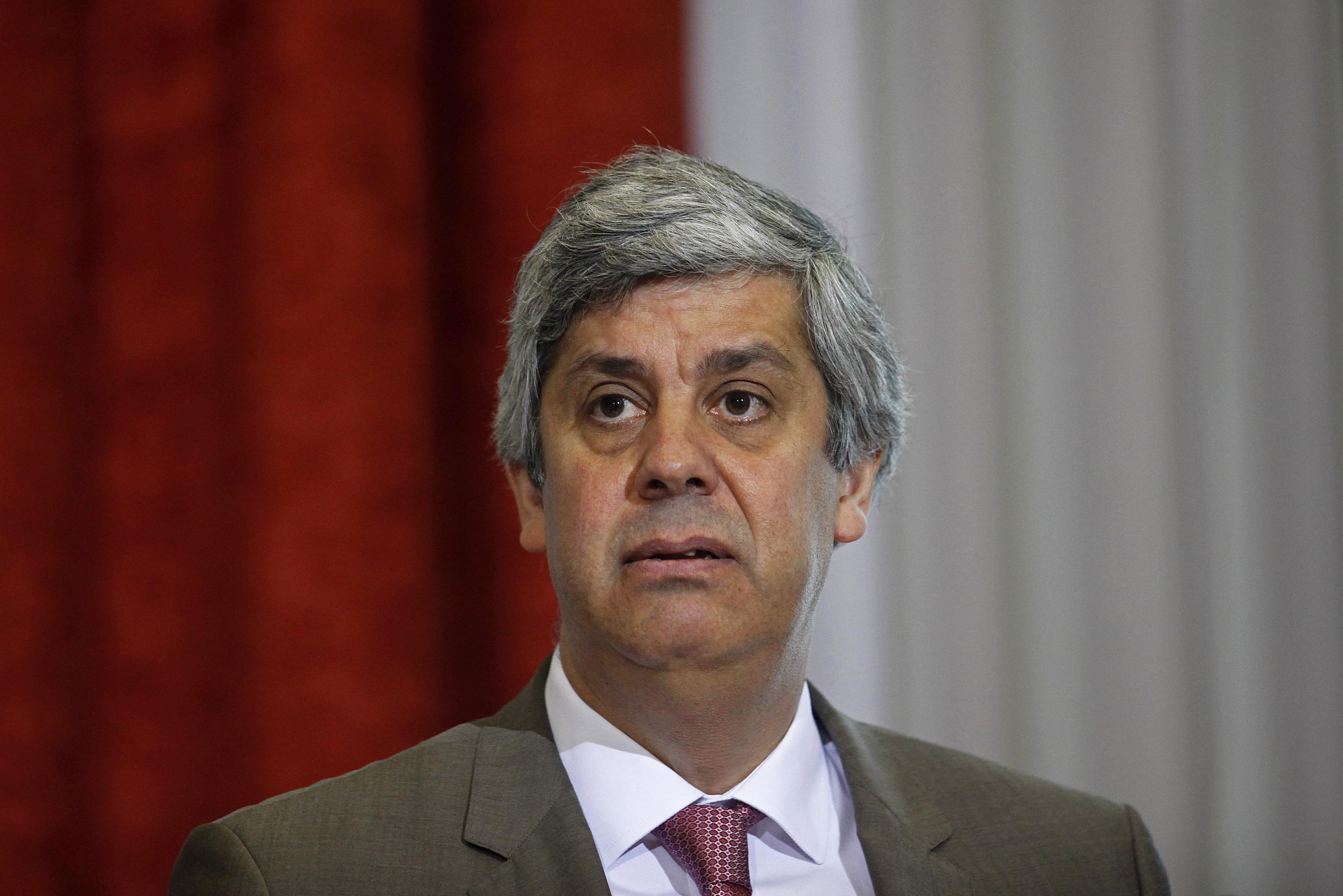 """Défice português """"permanecerá de forma sustentada e consistente, claramente abaixo"""" dos 3%, diz Centeno"""