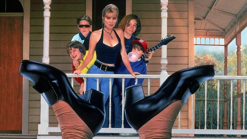 """Lembra-se de """"Não Digam à Mamã Que a Babysitter Morreu""""? Vem aí versão do filme com mais diversidade"""