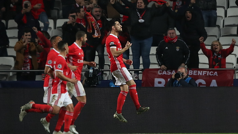 Benfica despede-se da Champions com triunfo sobre o Zenit e assegura presença na Liga Europa