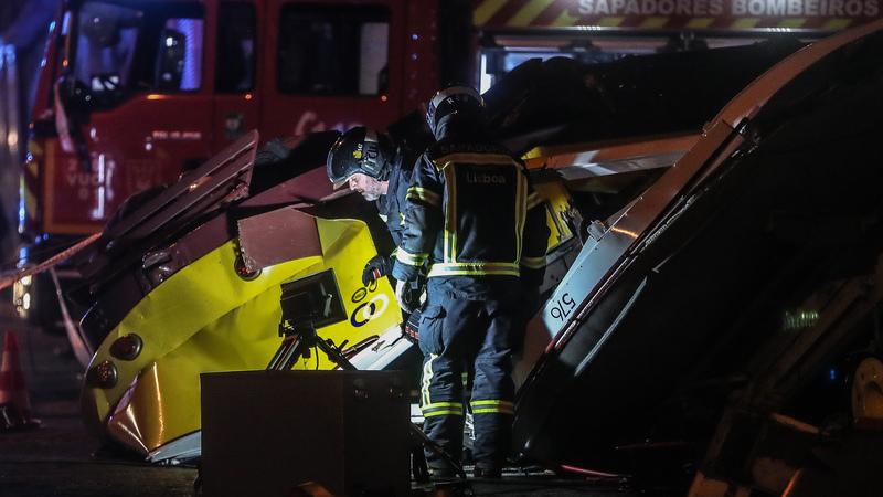 Descarrilamento de elétrico em Lisboa faz 28 feridos