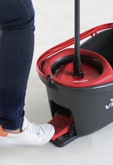 Ganhe um sistema de limpeza doméstico Easywring & Clean Turbo
