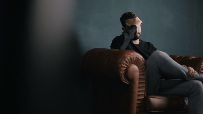 Burnout: serviço de apoio telefónico contratado por menos de cinco empresas no primeiro ano de vida