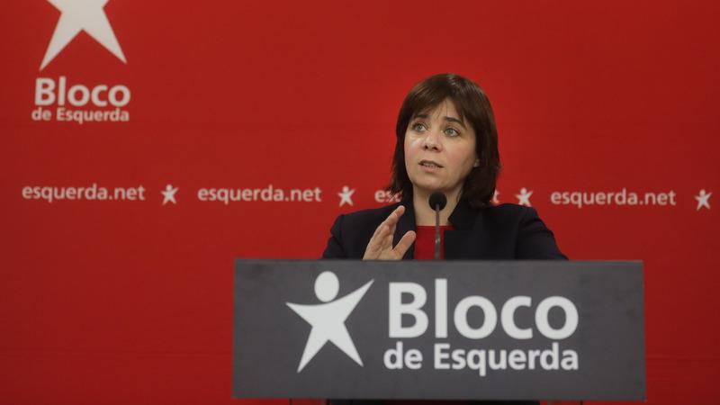 """Catarina Martins acusa Rui Rio de querer garantir que """"nada é feito sem o acordo da direita"""""""