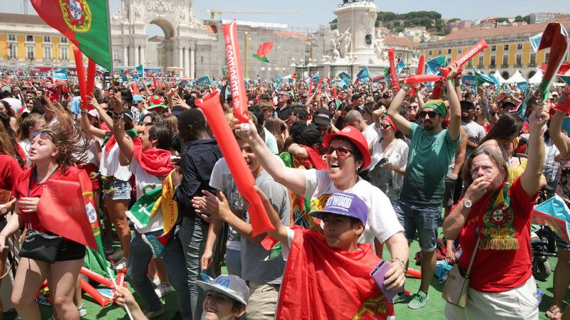 O país não parou para ver o Portugal-Marrocos, mas houve quem parasse de trabalhar