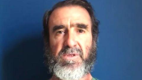 """Cantona faz declaração de amor a Manchester. """"Eu sofro com vocês"""""""