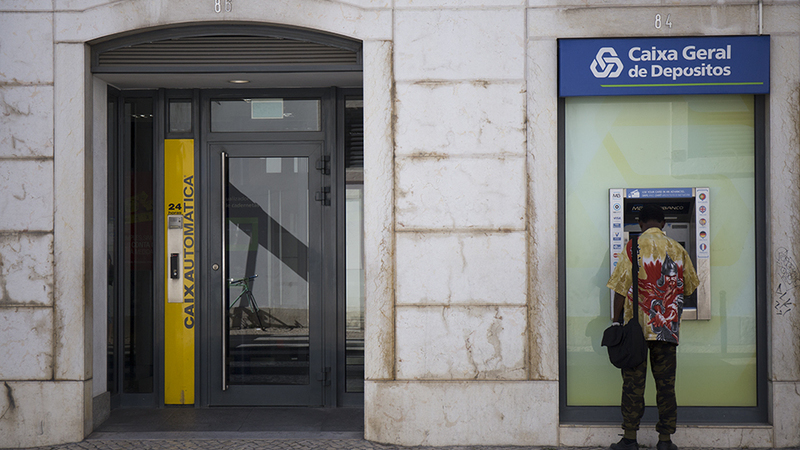 O que é uma conta de serviços mínimos bancários?