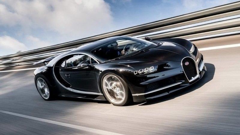 Já ouviu um Bugatti Chiron a fundo? A 420 km/h parece um avião a jato!