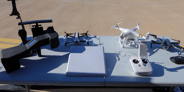 """ANAC testa equipamentos para inibir """"drones"""" em áreas restritas ou proibidas"""