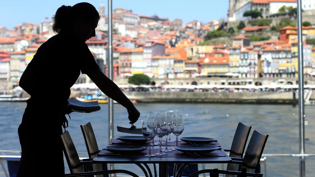 Sabia que o prato do dia pode ficar mais caro por causa do IVA?