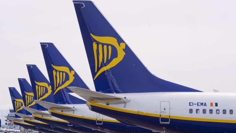 Ryanair: quase todos os 50 mil passageiros com voos cancelados já têm alternativas