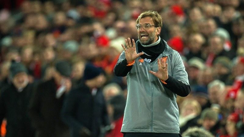 Liverpool empata e marca passo depois de ter estado a vencer por 2-0