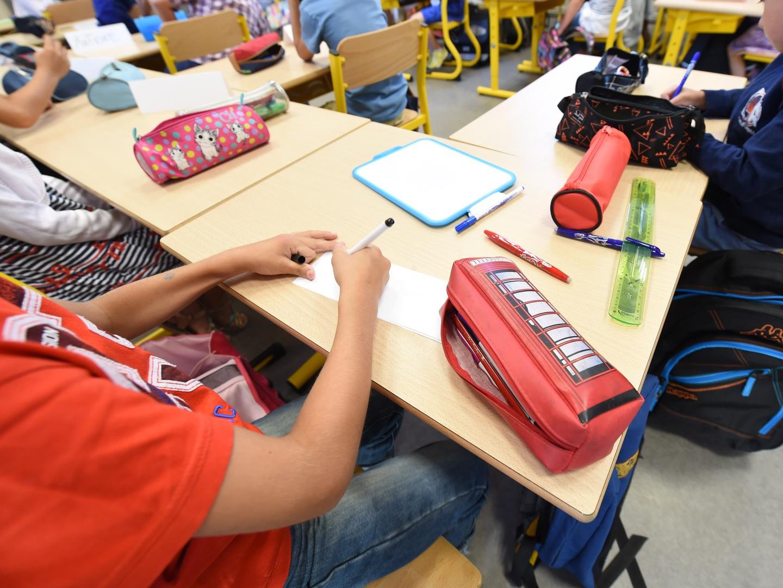 Atenção, pais: tudo o que seu filho faz na escola vai poder ser visto no seu telemóvel