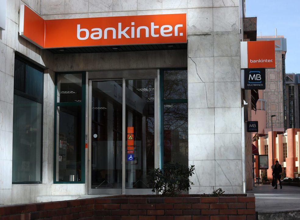 Banco estrangeiros estão a passar a sucursal. Mas porquê?