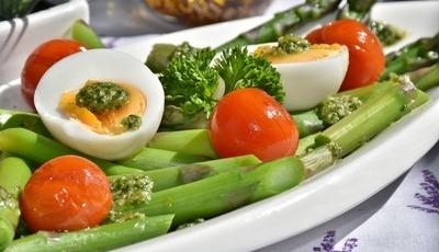 Alimentação na menopausa: nutricionista explica o que comer e o que evitar