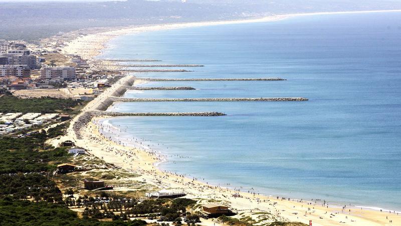 Reforço de areia nas praias da Costa de Caparica vai custar 6,3 milhões de euros