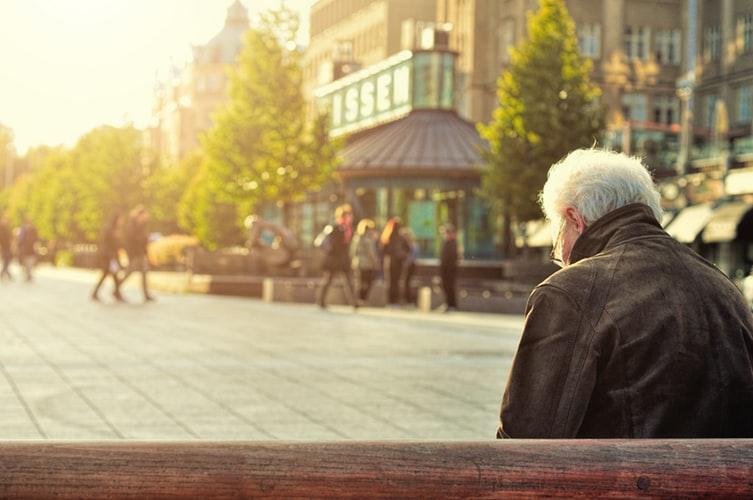 """Portugal destaca-se como um dos """"cinco países da Europa que pior tratam os idosos""""?"""