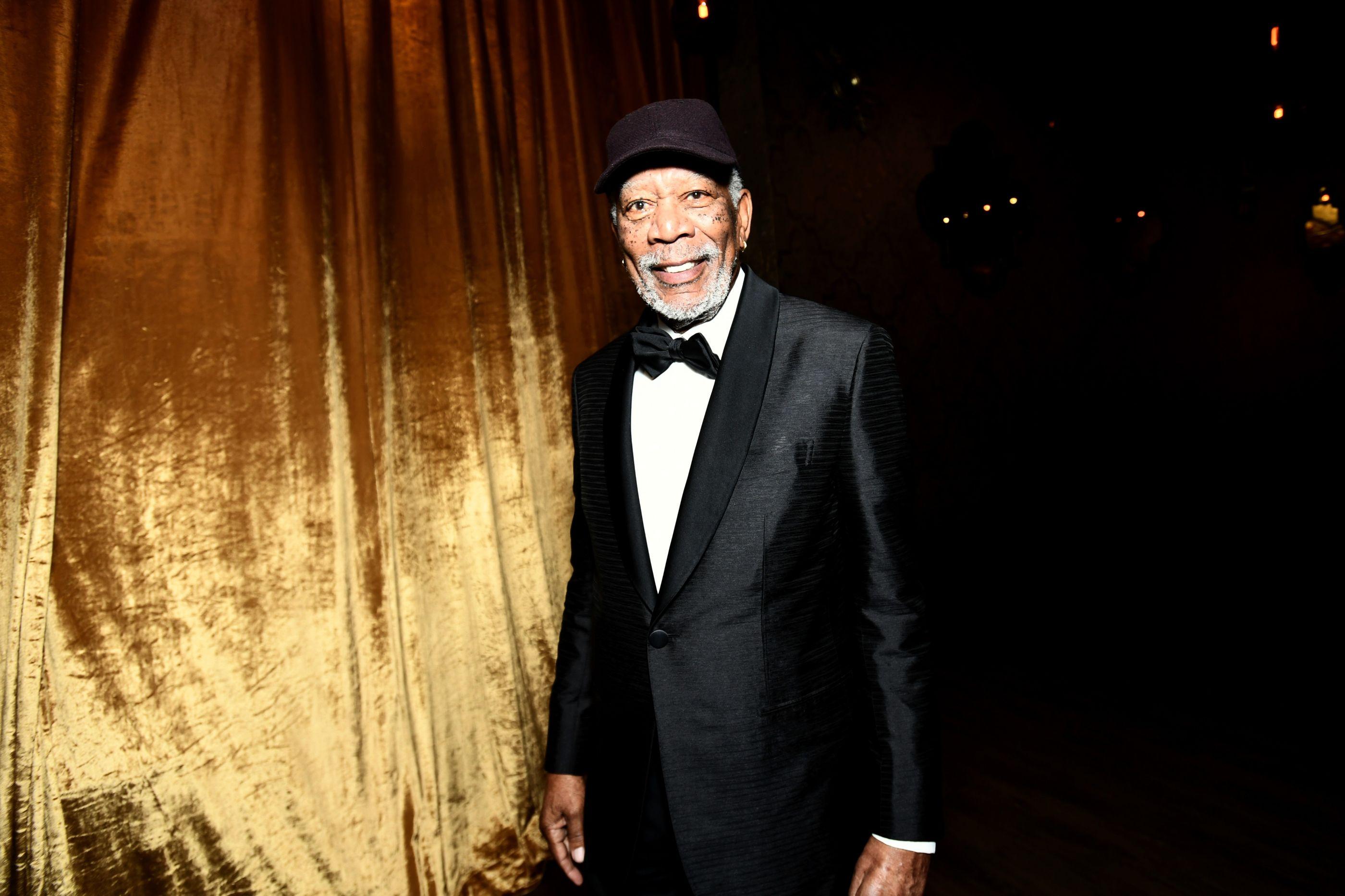 """""""Olho para ti e babo-me"""": Vídeo mostra Morgan Freeman a 'meter-se' com repórter"""
