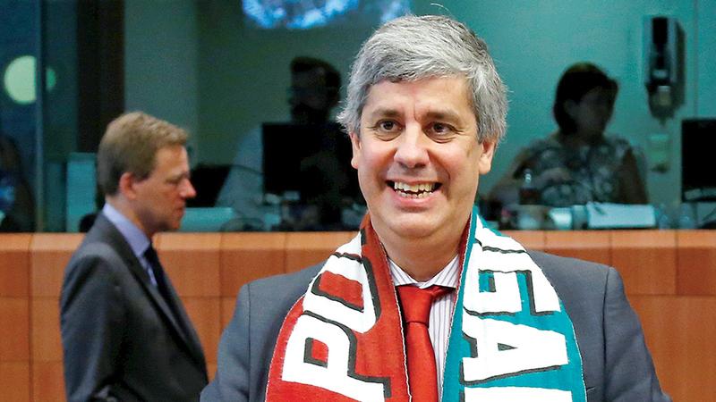 """""""A economia de Portugal funciona"""". Imprensa espanhola rendida à economia nacional"""