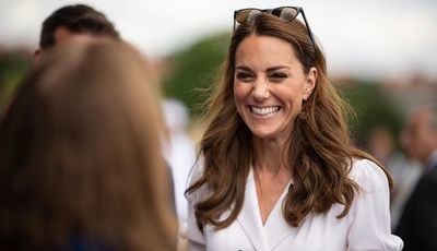 12 penteados de Kate Middleton para um look clássico e feminino