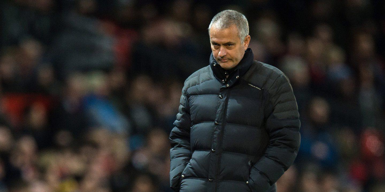 """Mourinho ´arrasa` jogadores: """"Não me lembro de um jogo amigável em que a nossa atitude tenha sido tão má"""""""