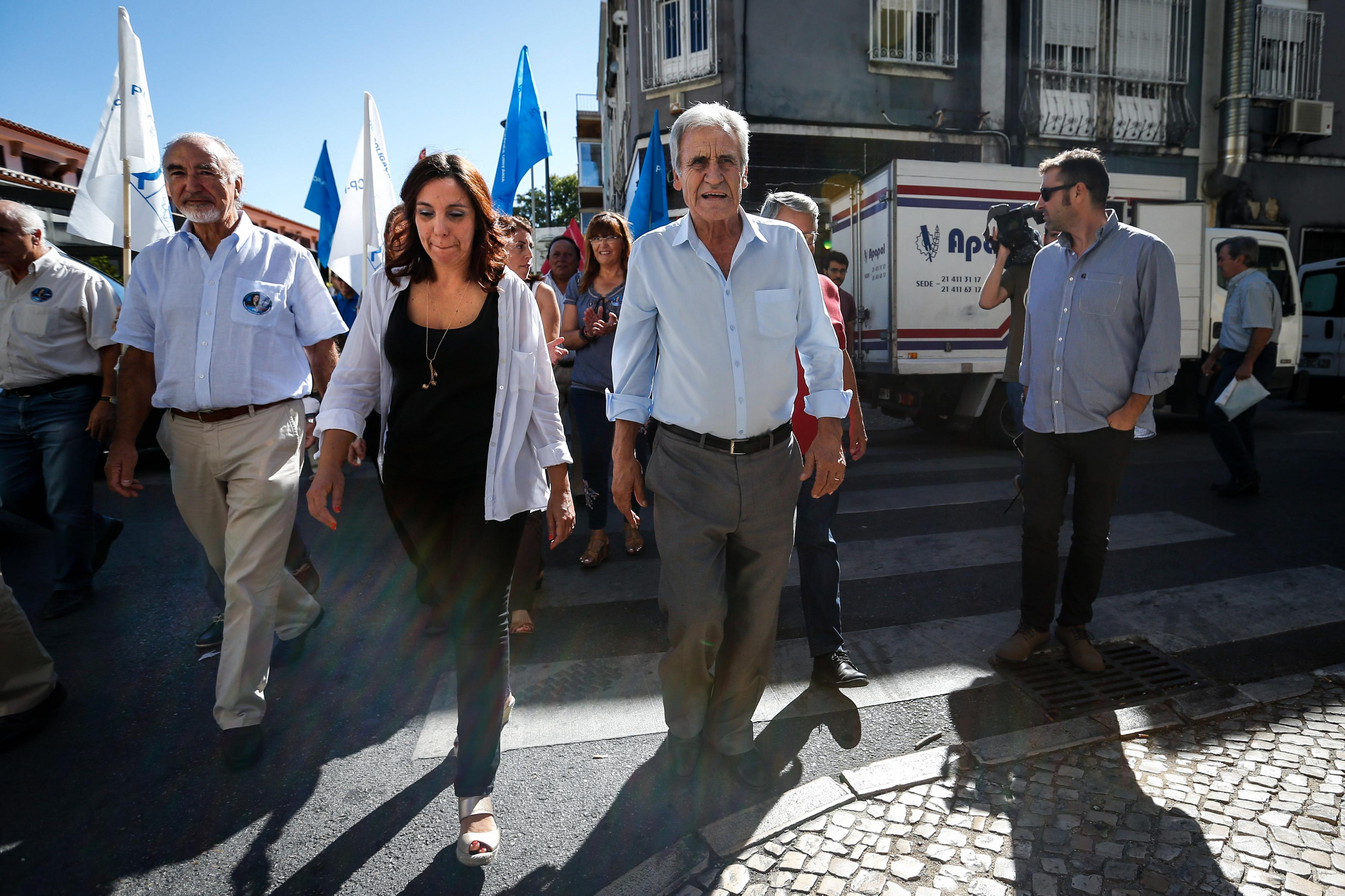 "PCP e PEV puxam pelo seu papel na legislatura face a PS que quer ""fazer bonito para Bruxelas"""