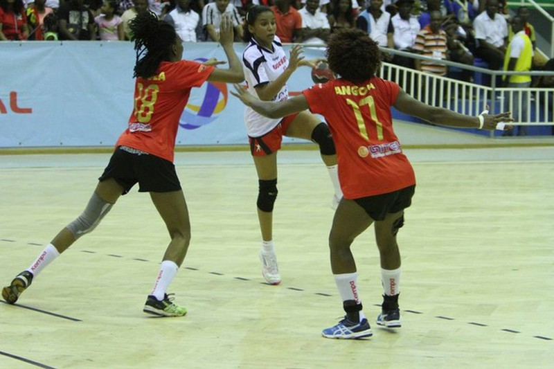 Angolanos deixam hoje Vila Olímpica