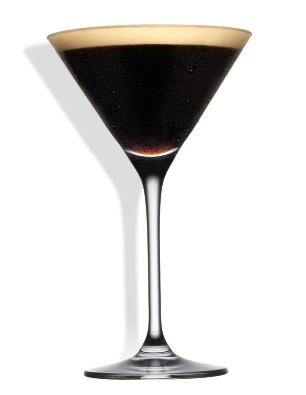 Aprenda a preparar quatro cafés que também são cocktails