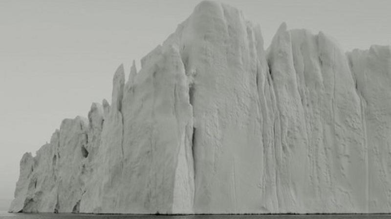 Vida e morte de um iceberg captados pela lente de uma máquina fotográfica