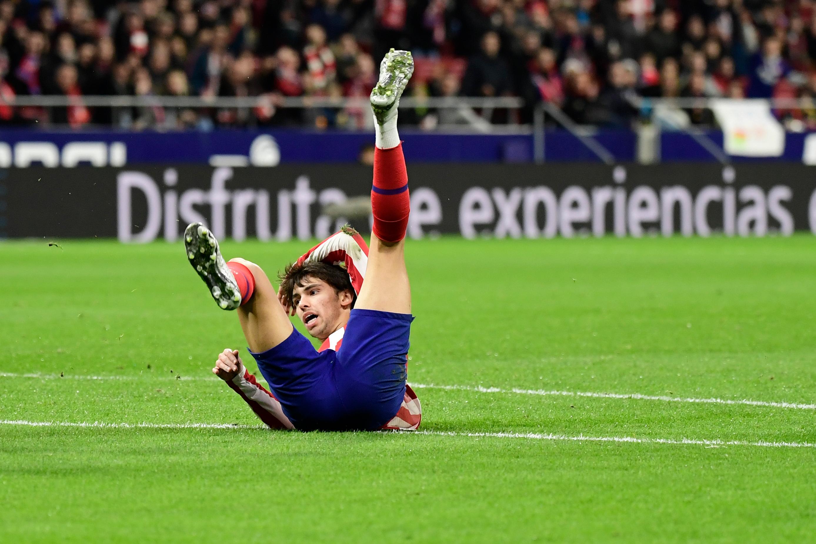 João Félix lesiona-se durante treino do Atlético Madrid