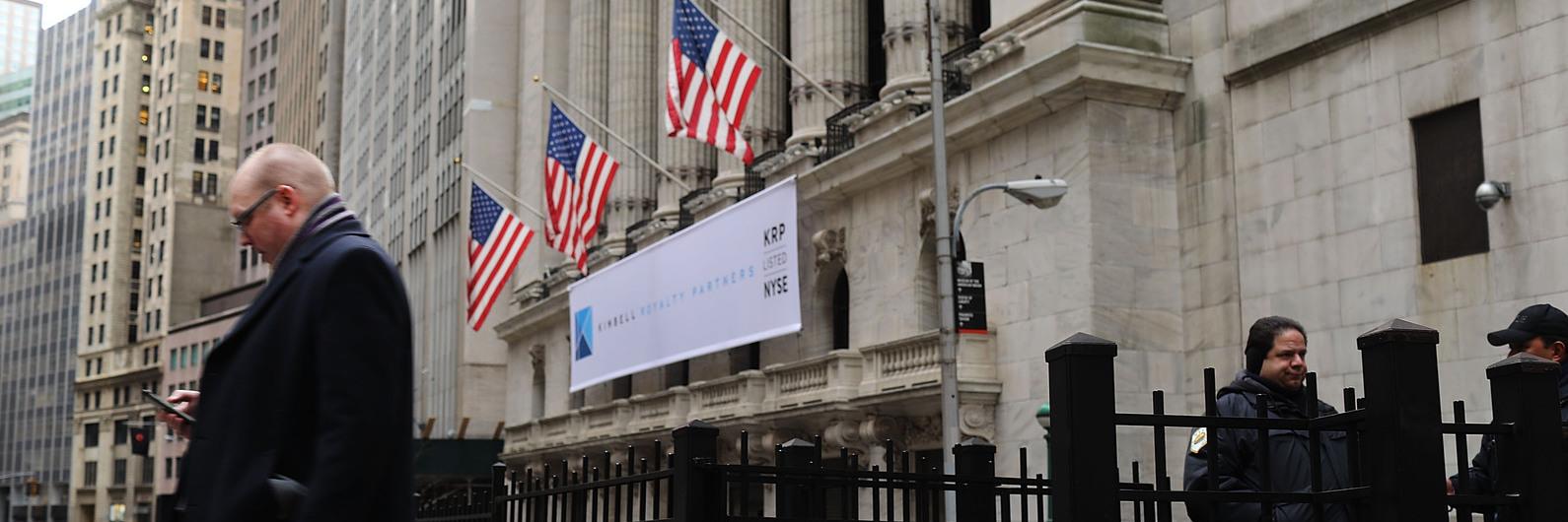Wall Street: Dow Jones escala acima dos 23 mil pontos