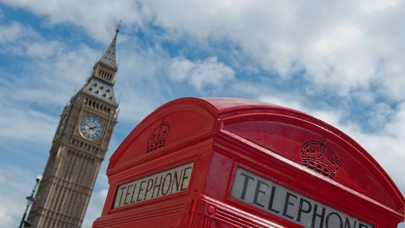 O que fazer com as cabines telefónicas de Londres? Bibliotecas, cafés e escritórios