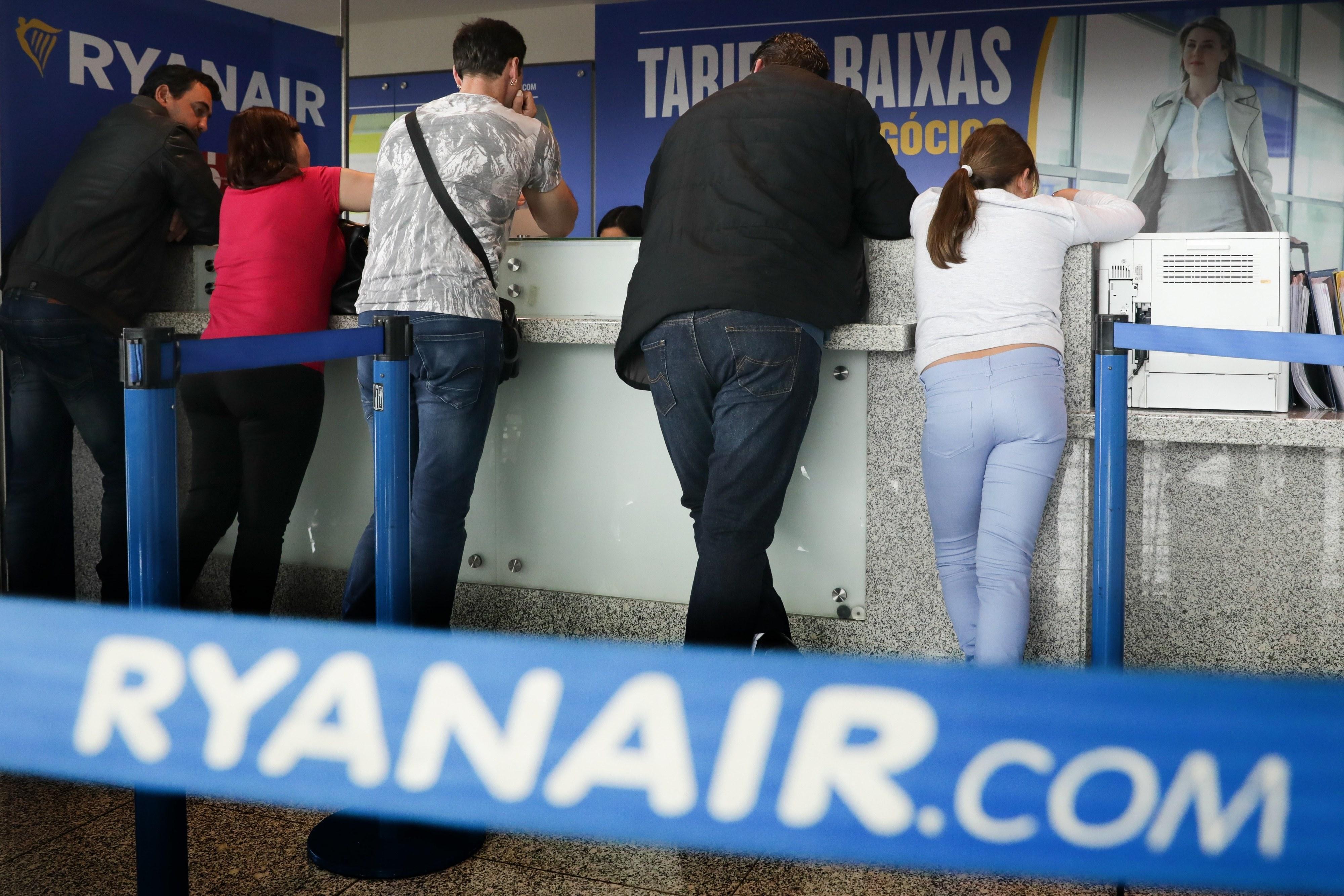 Tripulantes de cabine da Ryanair podem avançar para greve no verão