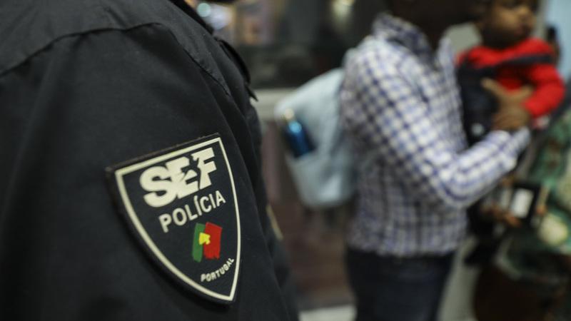 Direção do SEF demite-se após detenção de inspetores suspeitos de matar estrangeiro no aeroporto de Lisboa