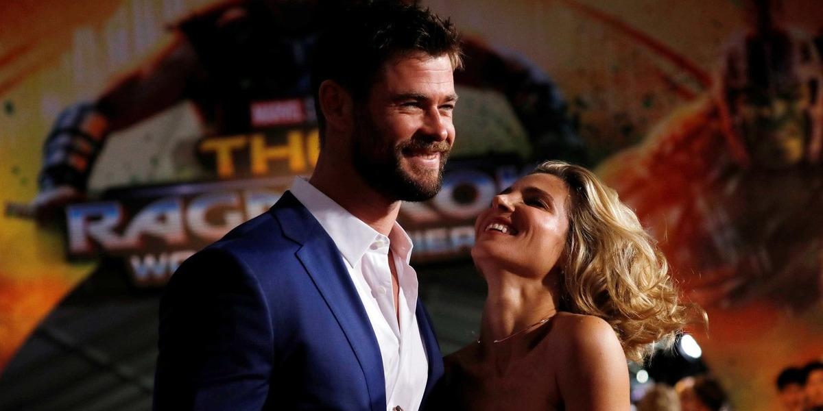 Vídeo: Chris Hemsworth exibe dotes de bailarino em dança com a mulher