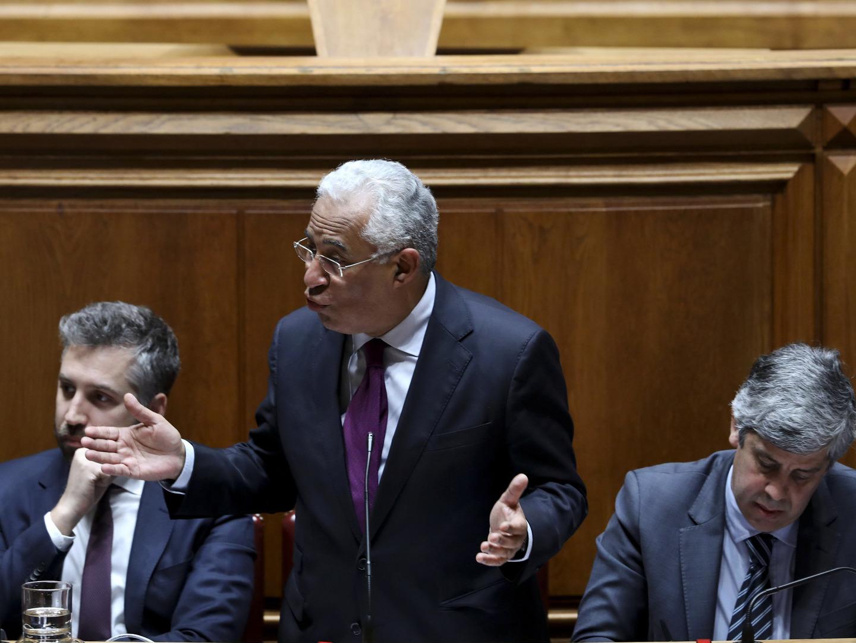Passos Coelho acusa PS de lidar mal com entidades independentes