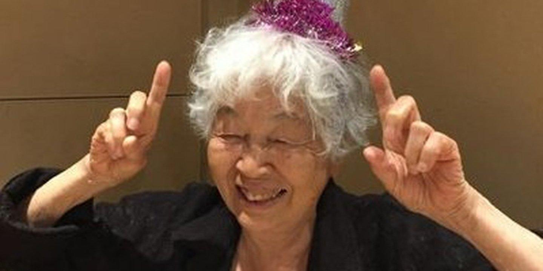 Setsuko tem 90 anos e está a aprender inglês com o sonho de ser intérprete nos Jogos Olímpicos de Tóquio2020