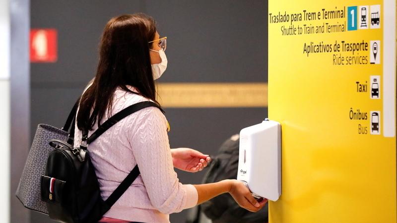 COVID-19: OMS recomenda avaliação de riscos antes de decisão sobre uso generalizado de máscaras